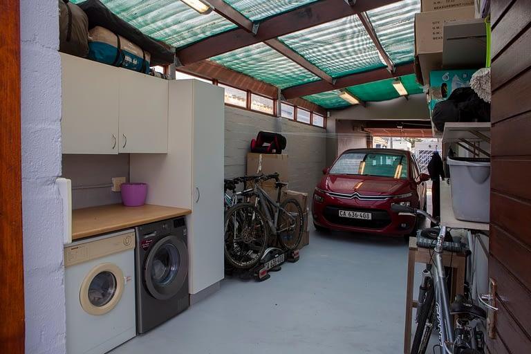 tn_19Dover_laundry&garage