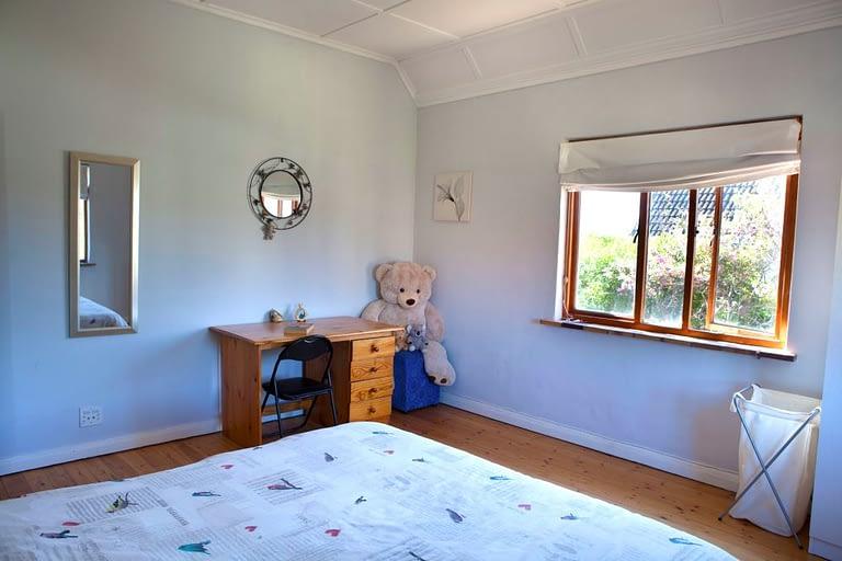 tn_18Yarmouth_0044_Bed2_bear