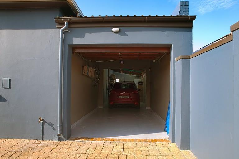 tn_19Dover_garage