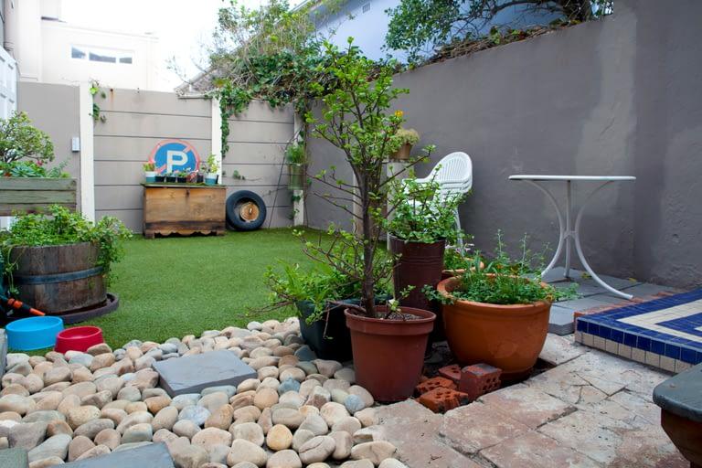 3FraserRd_0109_garden2