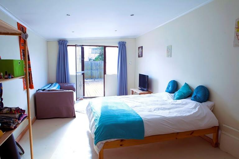 tn_18Yarmouth_0143_flatlet_bedroom