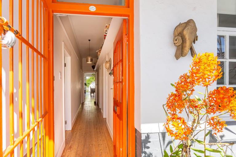 passage from front door to back garden.