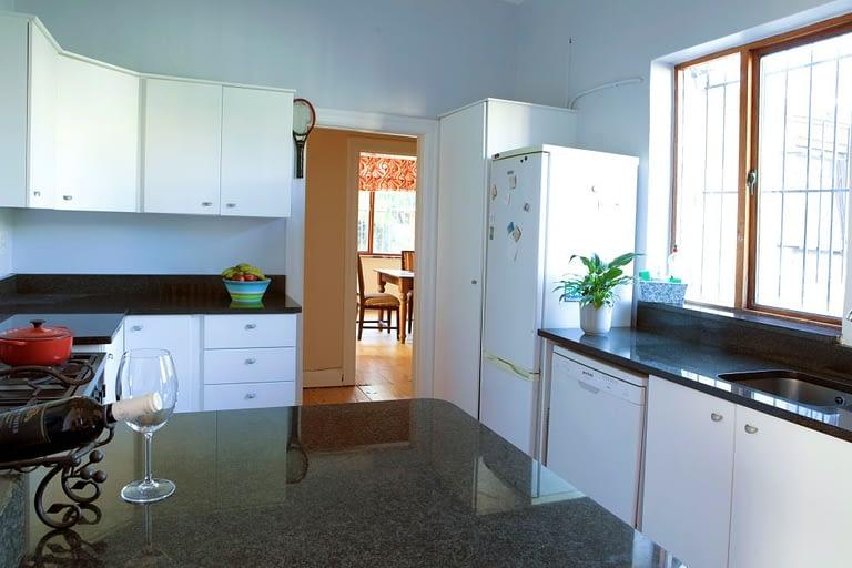 tn_18Yarmouth_0107_kitchen