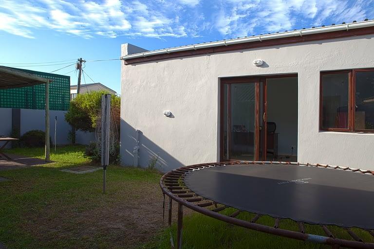 tn_19Dover_garden_cottage