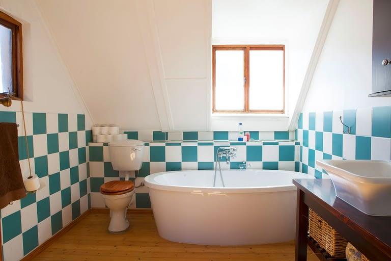 tn_18Yarmouth_0066_bathroom