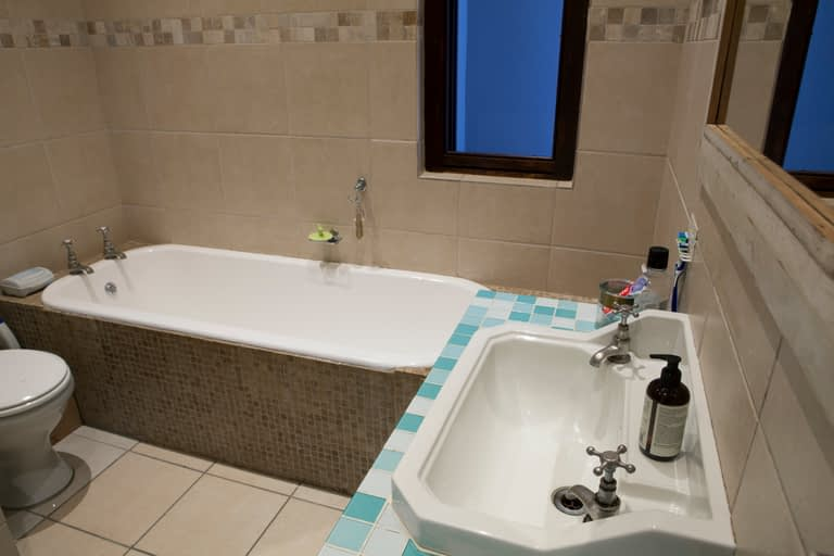19Dover_bath&basin